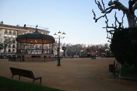 20120501225745-plaza.jpg