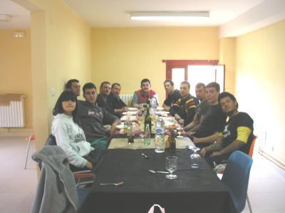 20120506180639-contradanceros-en-alberguelr.jpg