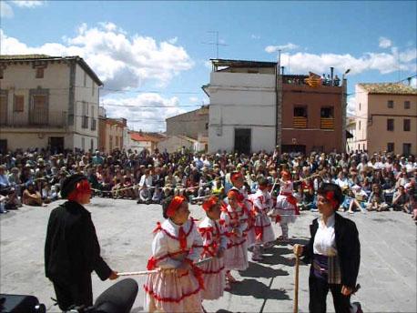 20120525133430-dance2010.jpg